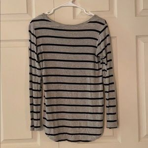 Free Kisses Tops - Gray and black striped top